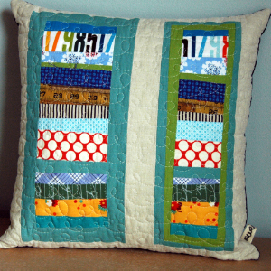 Auction09pillow2-1